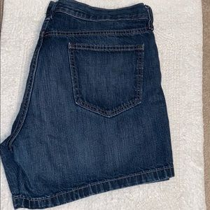 Old Navy Flirt jean shorts size 14